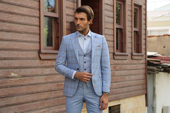 d40f62433ce2c Erkek İçin Göz Kamaştıran Yelekli Takım Elbiseler   Wessi