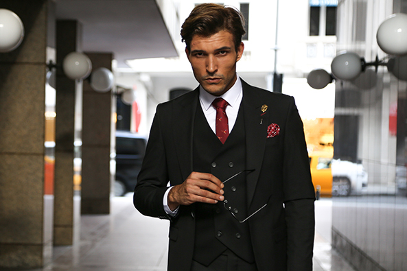 ab82fc38f67ce Karizmatik Duruşumuz İle Büyüleyeceğiniz Takım Elbise Modelleri. Erkekler  ...