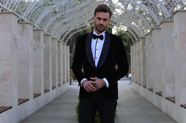 How to Wear a Tuxedo Shirt? | Wessi