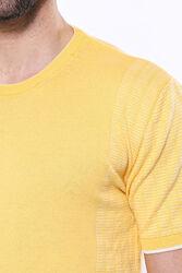Bisiklet Yaka Kenarları Desenli Hardal Örme T-shirt | Wessi - Thumbnail