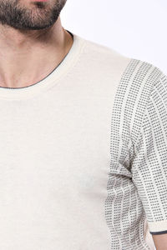 Bisiklet Yaka Kenarları Desenli Krem Örme T-shirt | Wessi - Thumbnail