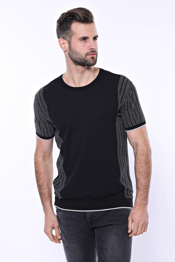 Bisiklet Yaka Kenarları Desenli Siyah Örme T-shirt | Wessi
