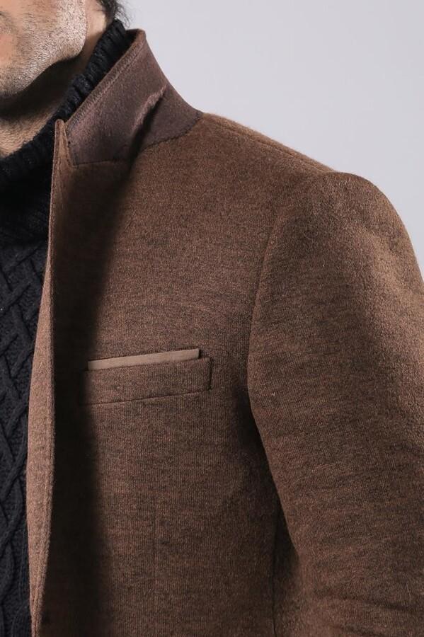 Kahverengi Geniş Sivri Yaka Tek Düğmeli Ceket | Wessi