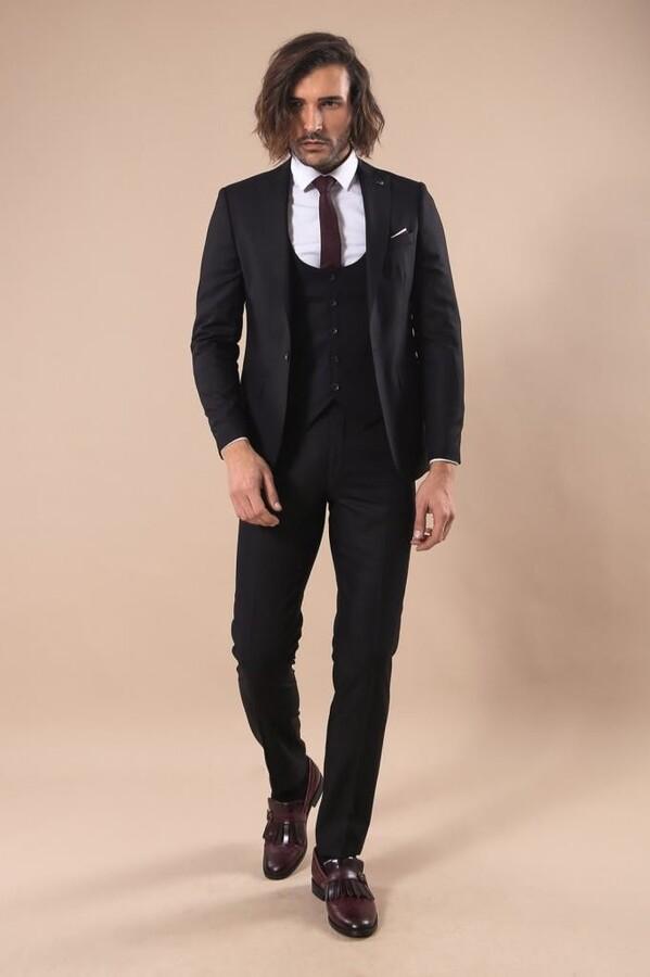 Sivri Yaka Tek Düğmeli Slim Fit Siyah Takım Elbise | Wessi