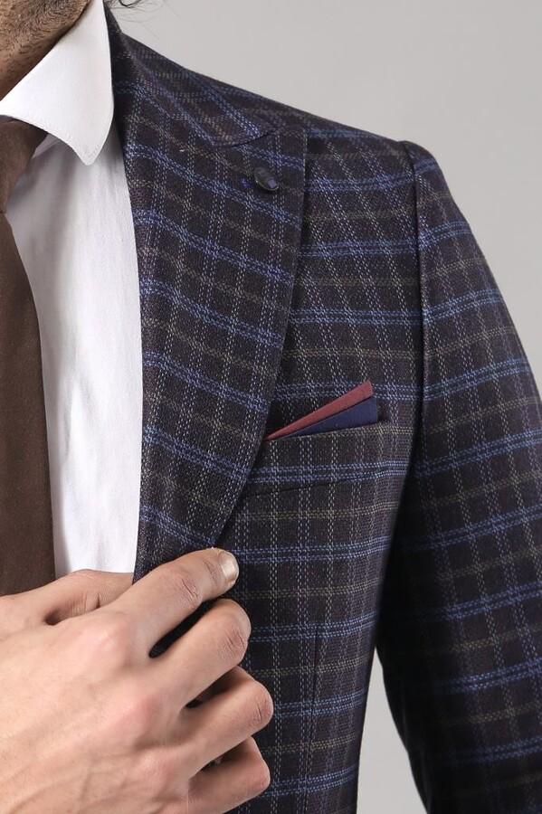 Tek Düğme Çift Yırtmaç Lacivert Ceket