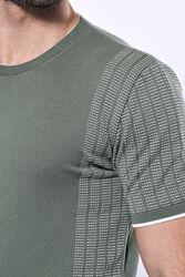 Bisiklet Yaka Kenarları Desenli Yeşil Örme T-shirt | Wessi - Thumbnail